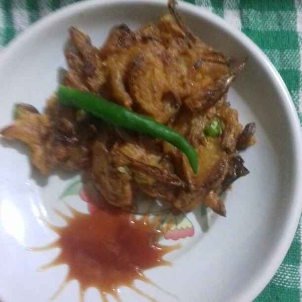 How to make Onion schezwan pakodas