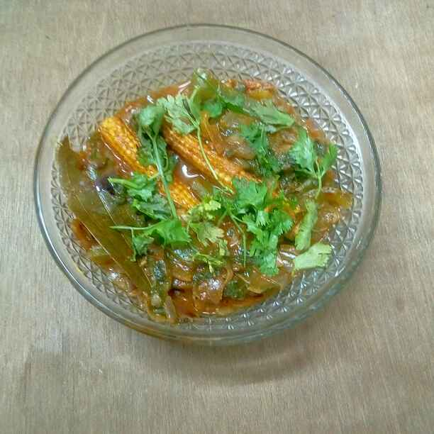 How to make Spicy Spinach Capsicum Baby corn Masala