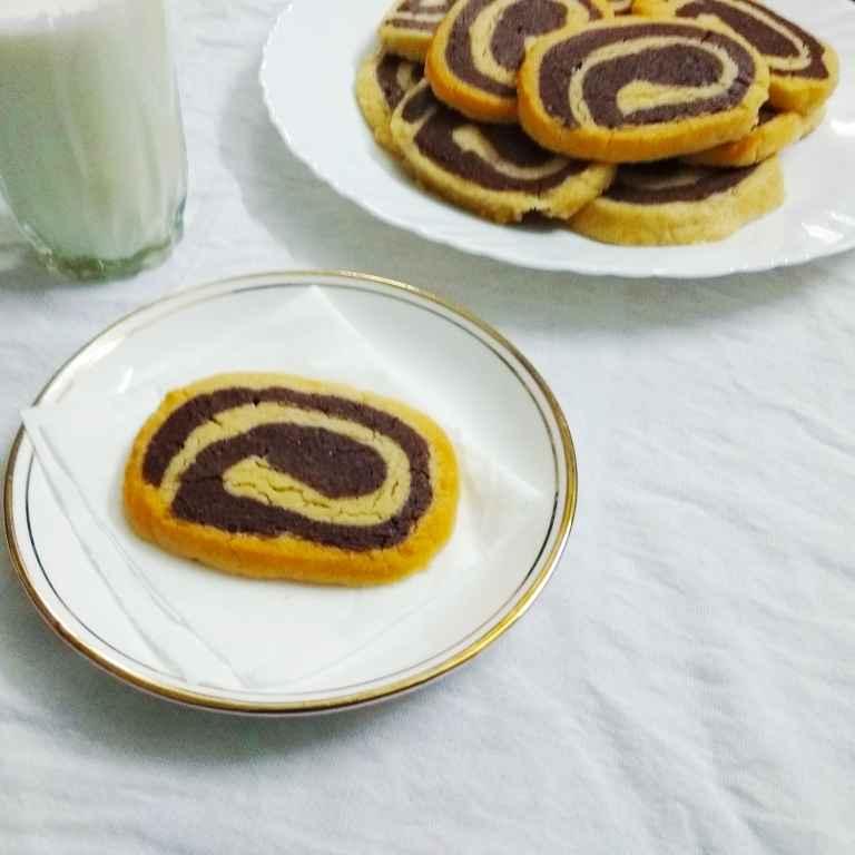 Photo of Chocolate Vanilla Swirl Cookies by Rekha Unni at BetterButter