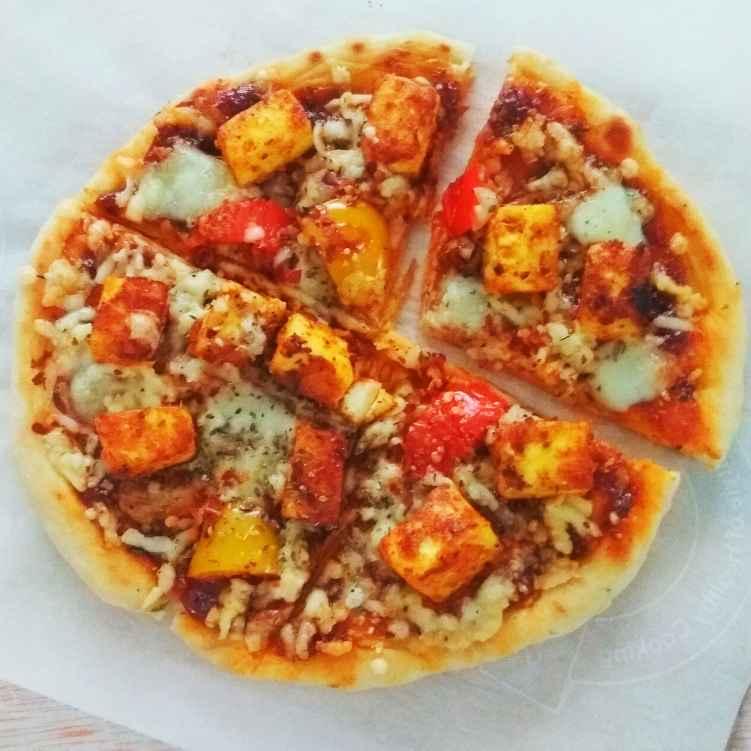 How to make Tawa Paneer Tikka Pizza