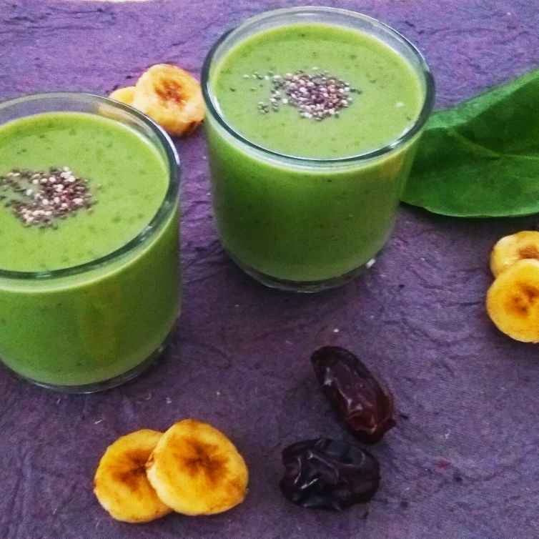 Photo of Spinach Banana Dates Smoothie by Rekha Unni at BetterButter