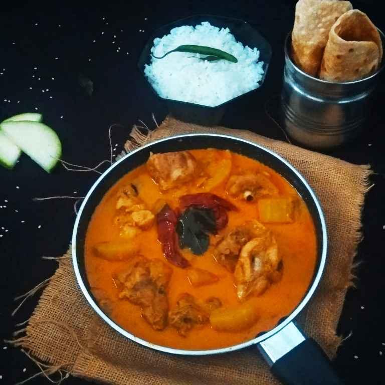 How to make Kozhi (Chicken) Kumbalanga Curry