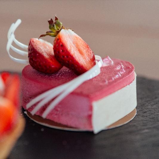 How to make Fresh Strawberry Cheese Cake