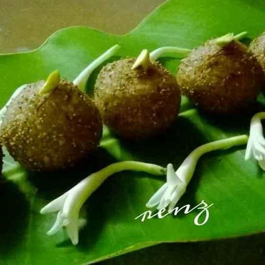 Photo of Chapati churma laddu by Renu Chandratre at BetterButter