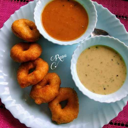 Photo of Perfect medu vada by Renu Chandratre at BetterButter