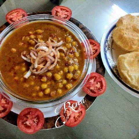How to make Punjabi Chhole Puri