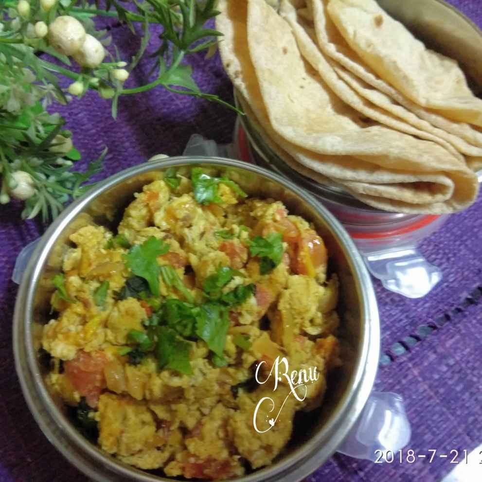 Photo of Anda/ Egg Bhurji with Roti by Renu Chandratre at BetterButter