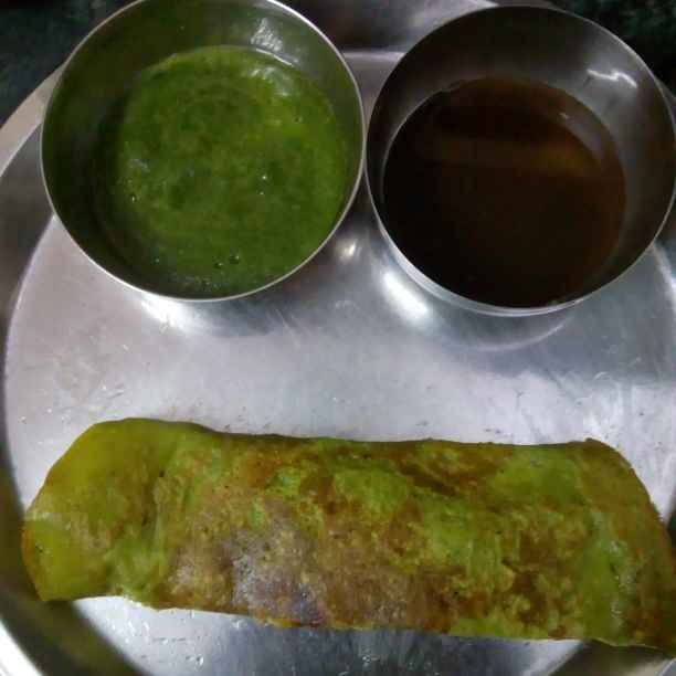 How to make Palak Moong Dal Chila