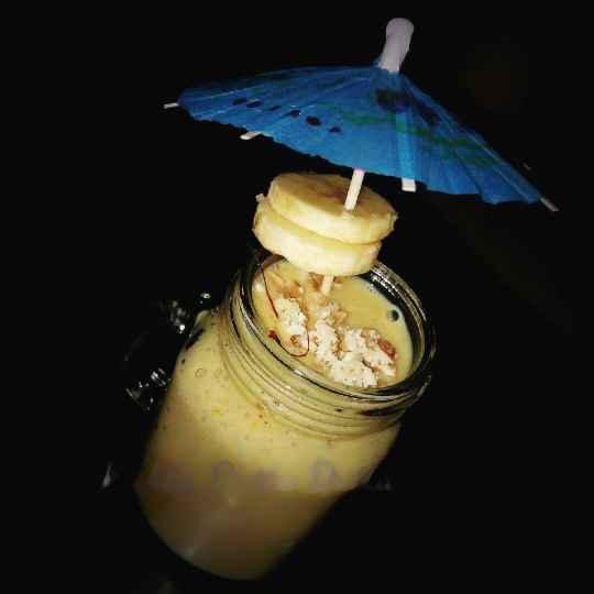 How to make Almond banana shot