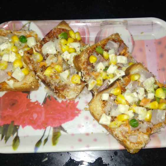 Photo of bread pizza by Rimjhim Agarwal at BetterButter