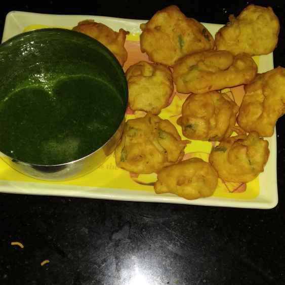 How to make Sour fritters with chutney