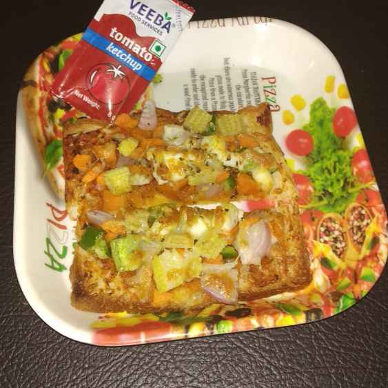 Photo of BABYCORN bread pizza by Rimjhim Agarwal at BetterButter