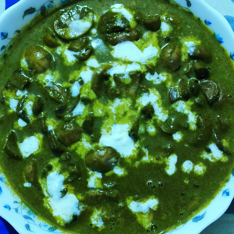 Photo of Palak Mushroom by Rimpa Bose Deb at BetterButter