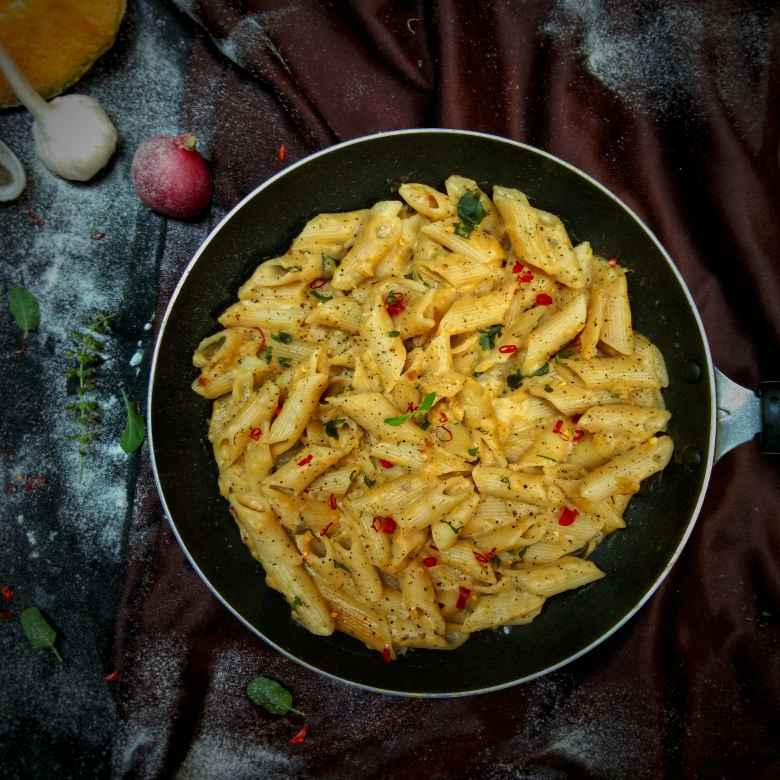 How to make Penne pasta in pumpkin sauce
