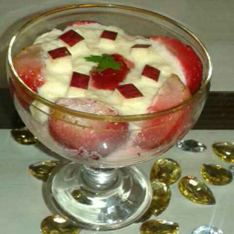 Photo of Apple kheer with strawberry by Rita Arora at BetterButter