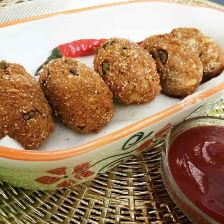 Photo of Oats semolina cheesy pops(ots suji pops) by Ritu Chaudhary at BetterButter