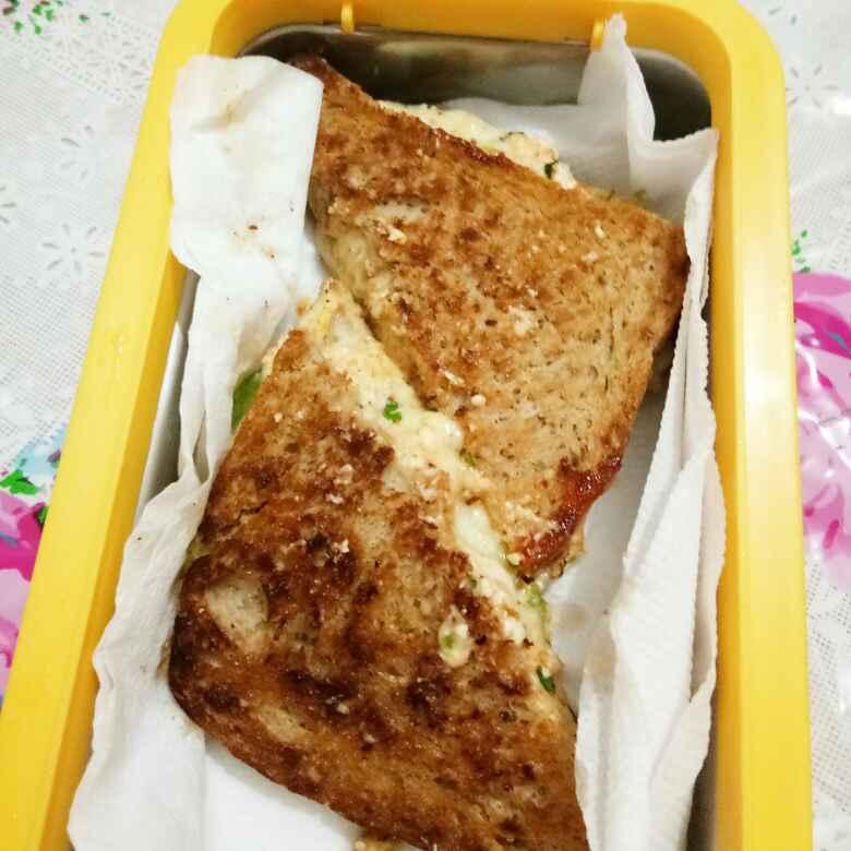 Photo of Cheesy garlic bread pizza sandwich by Ritu Chaudhary at BetterButter