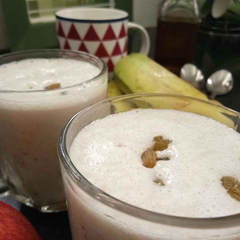 Photo of Banana yogurt smoothie by Ritu Chaudhary at BetterButter