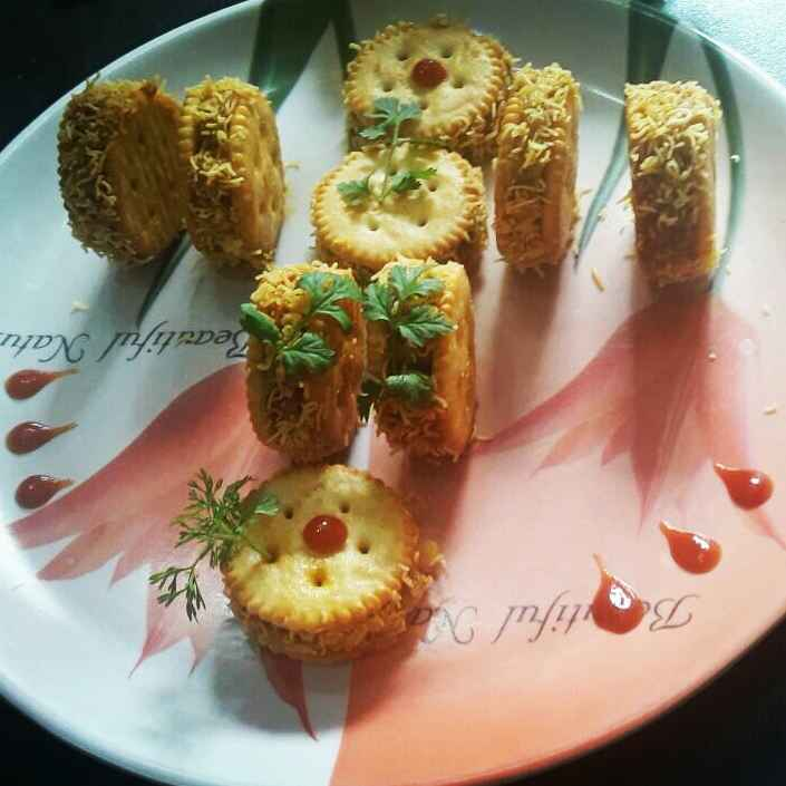 Photo of Manoco biscuit sandwich by Rohini Rathi at BetterButter