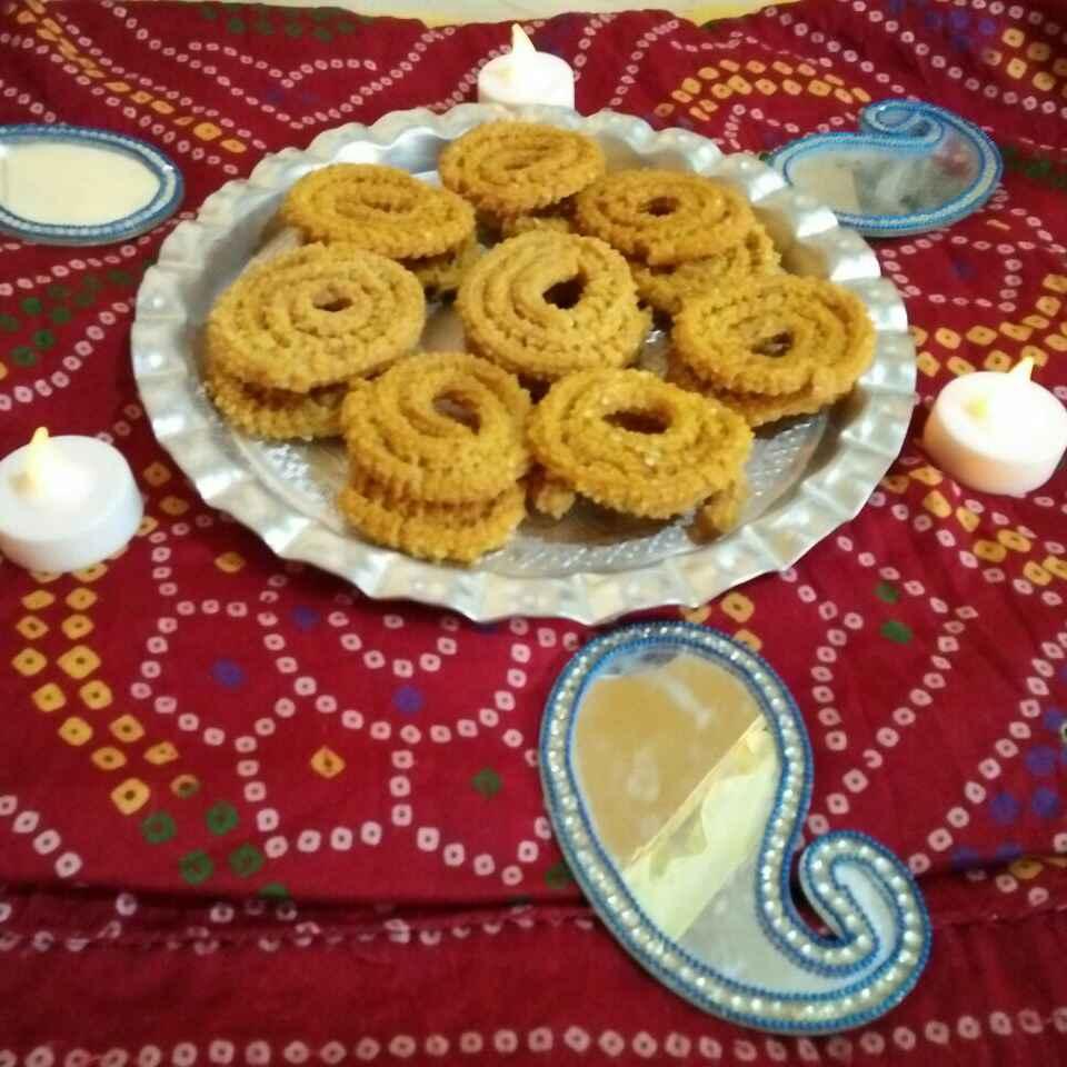 Photo of Jawar pitha chi chakli by Rohini Rathi at BetterButter