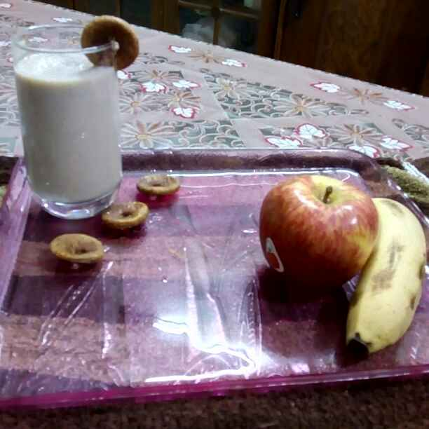 How to make Banana, Apple & figs smoothie