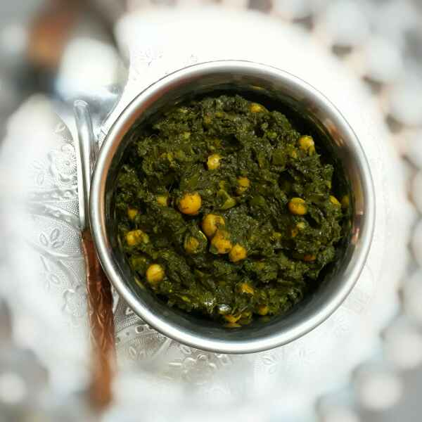 How to make Chole Palak/Chickpeas with Spinach