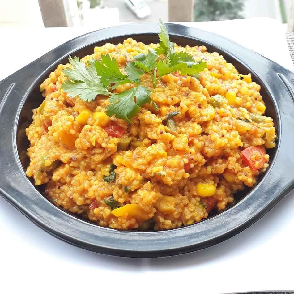 Photo of Tom-yum vegetable daliya pulao by Ruchi sharma at BetterButter