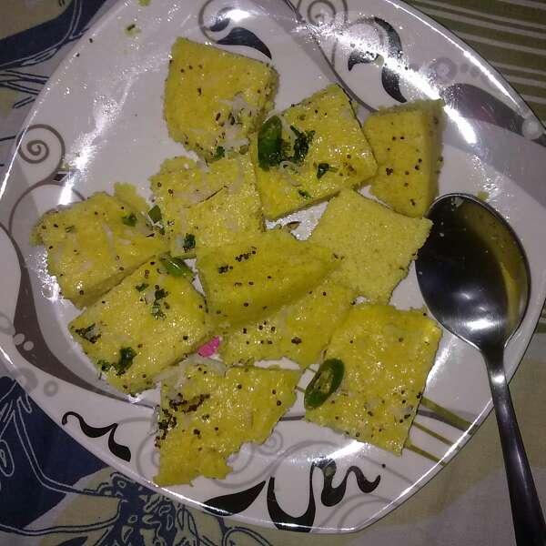 How to make Besan Dhokla (Khatta Meetha)