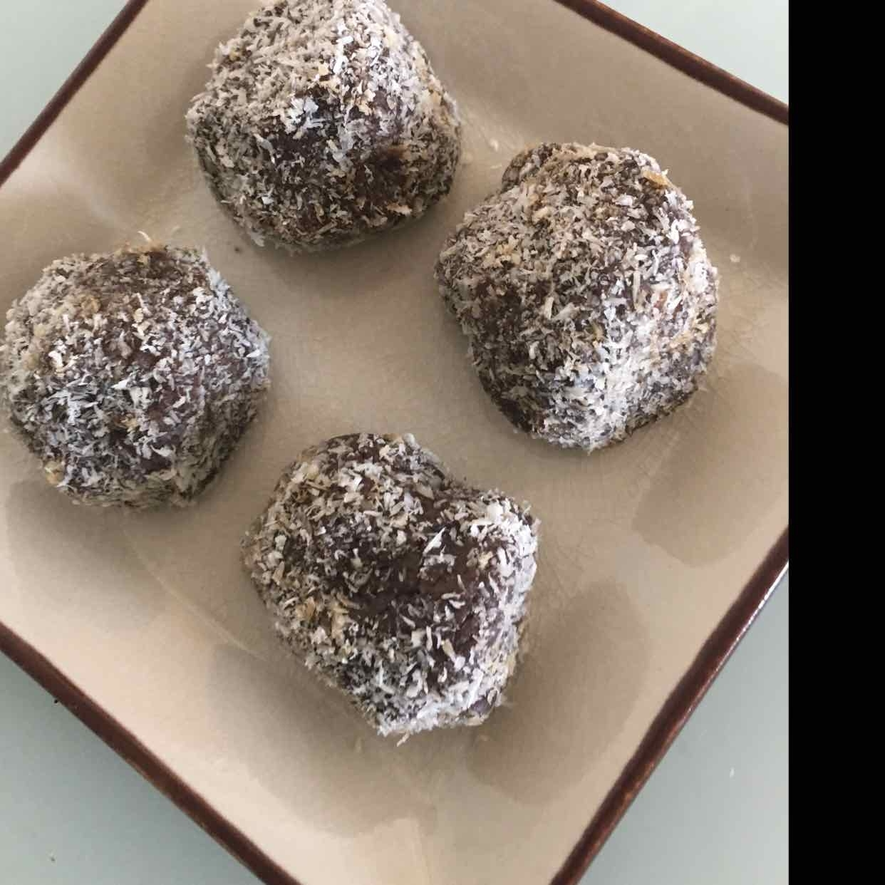 How to make Ragi Flour and Dry Coconut Ladoo