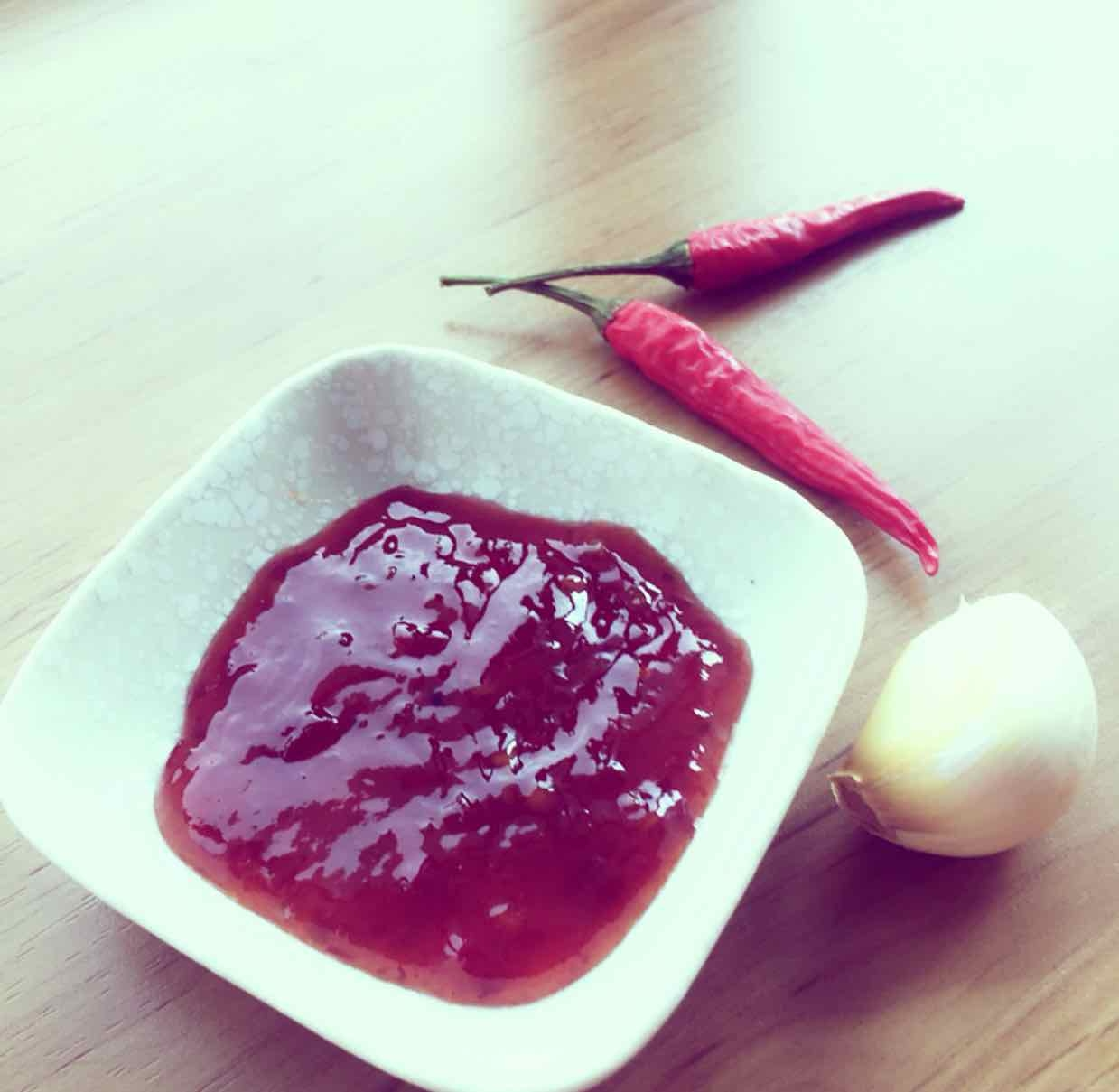 How to make Hot Chilli Garlic Sauce
