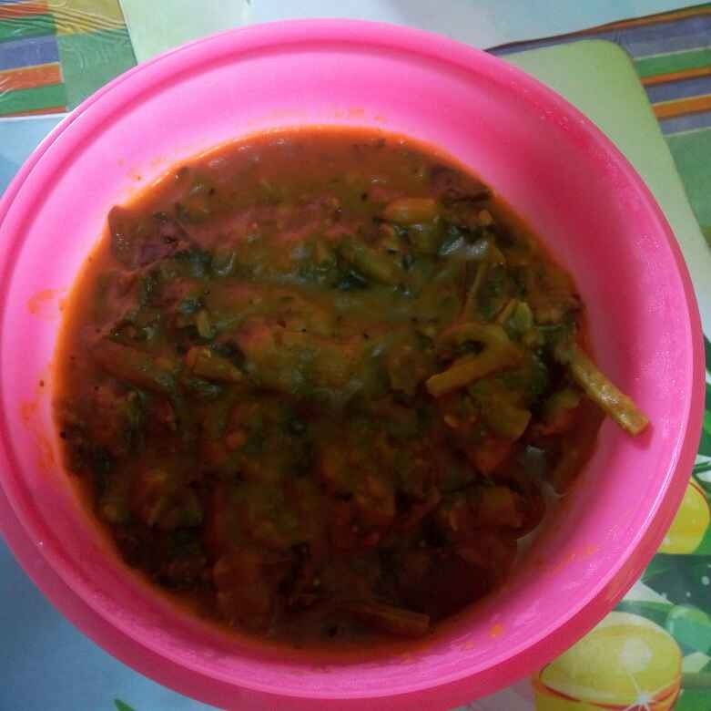 How to make Panchmisali Niramish Matar Dal