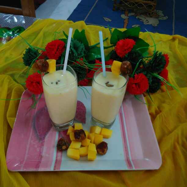 How to make Mango Banana and Dates Smoothie