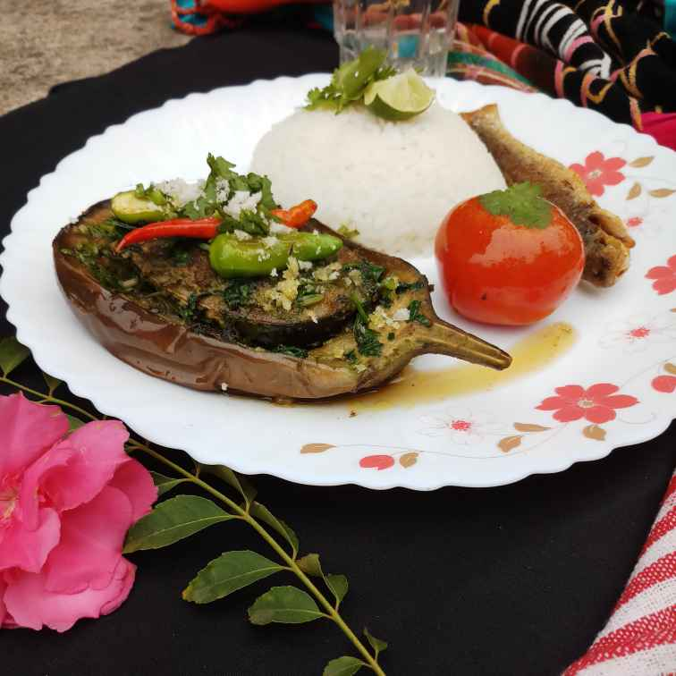 Photo of Hilsa in brinjal boat by Sadhana Dey at BetterButter