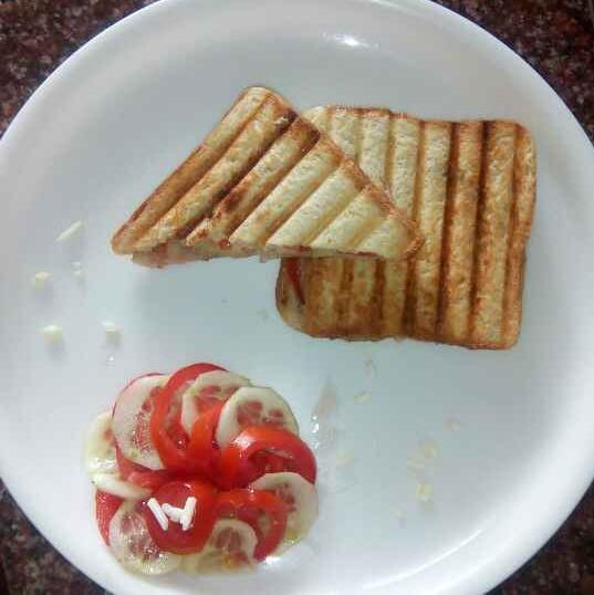 Photo of Mozzarella cheese sandwich by Saloni Bansal at BetterButter