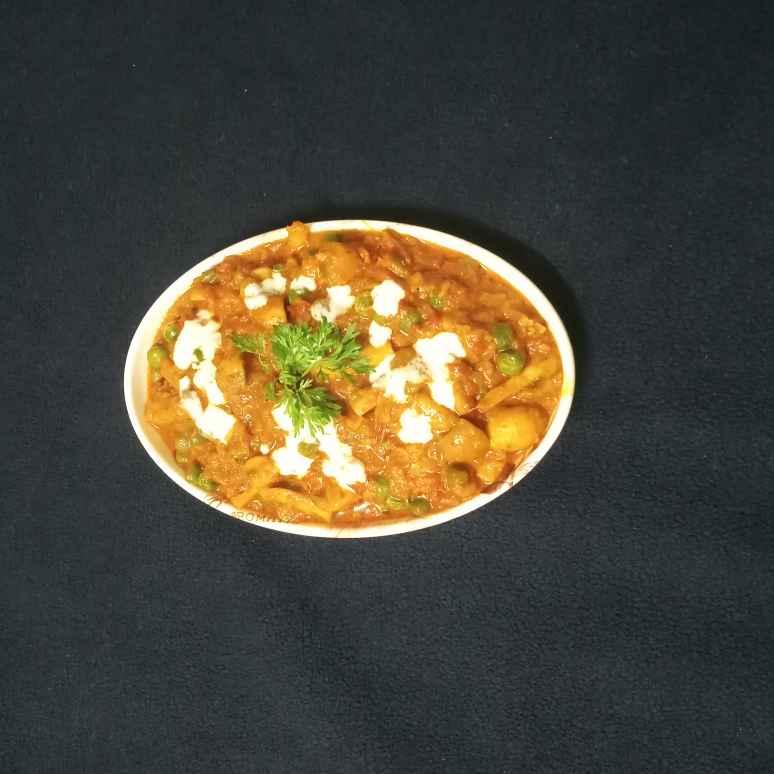 Photo of Mator mashroor masala by Sampurna Sarkar at BetterButter