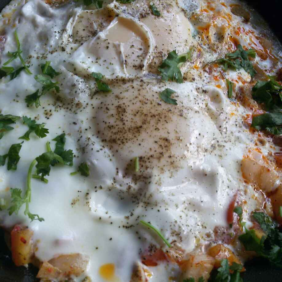 How to make Eggs veggie masala