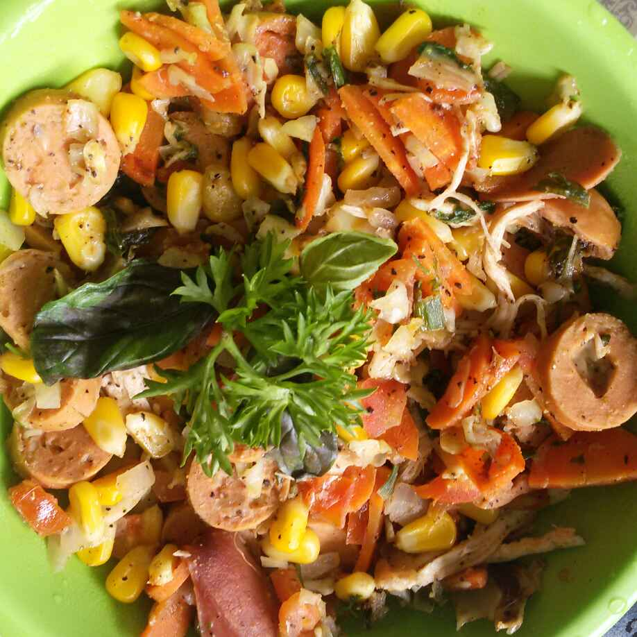 How to make Chicken and Cheese Sausage Salad