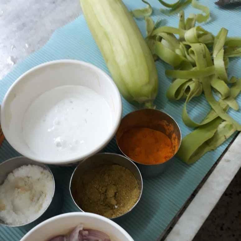 Photo of Nariyal lauki ka Phika salan/curry by sana Tungekar at BetterButter