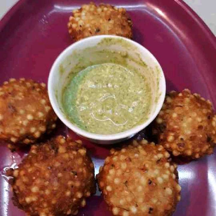 How to make Sabudana vada with chutney