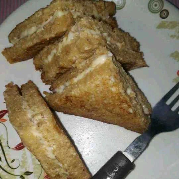 How to make Cheesy Egg fried bread
