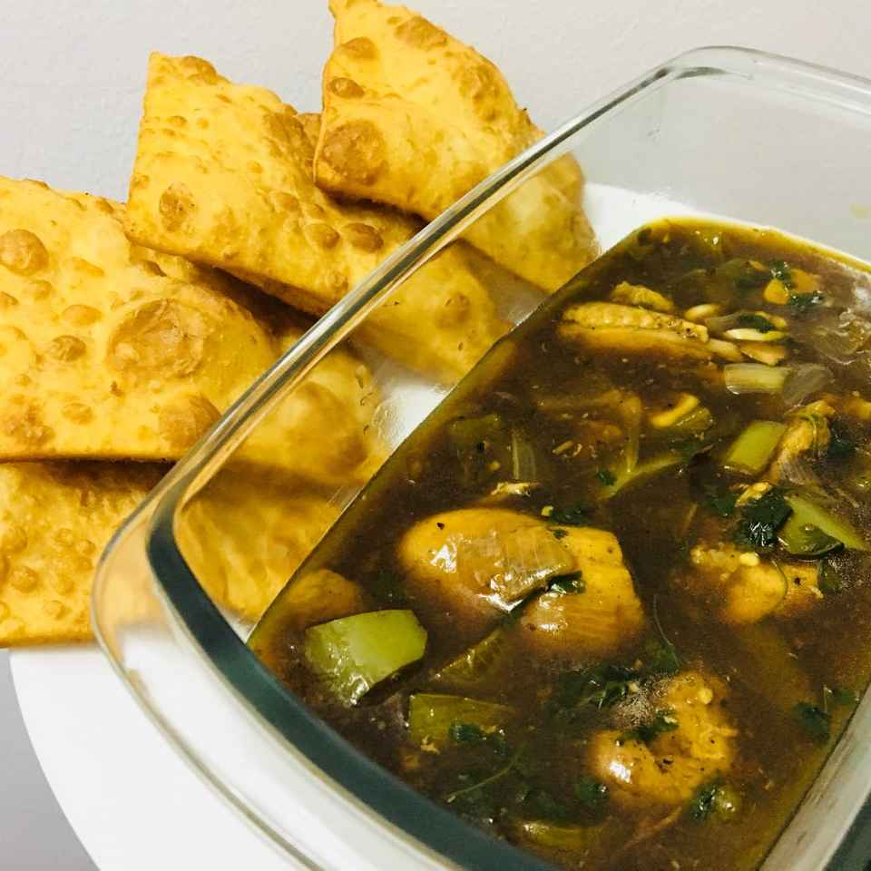 How to make Chicken soupy curry