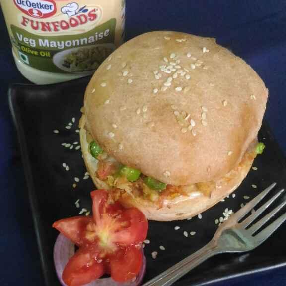 How to make Veg aloo tikki burger