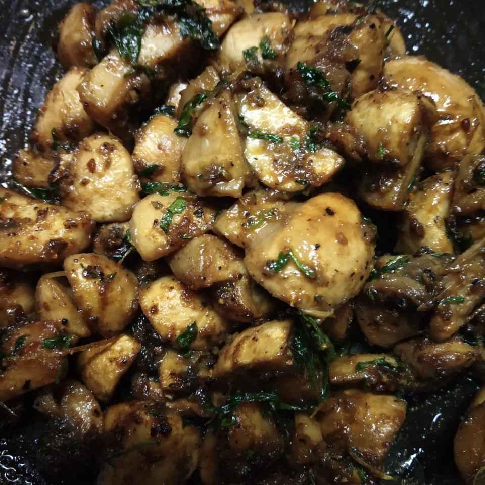 Photo of Butter Garlic Mushrooms by Deeya Sanchari at BetterButter