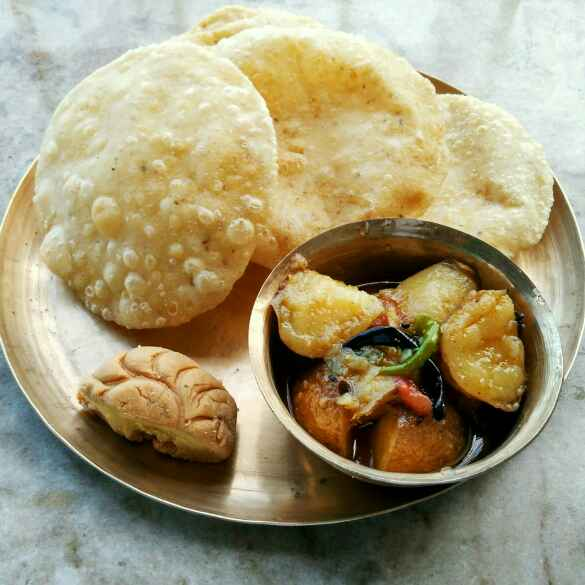 How to make Radhaballavi sathe khosa soho alur torkari