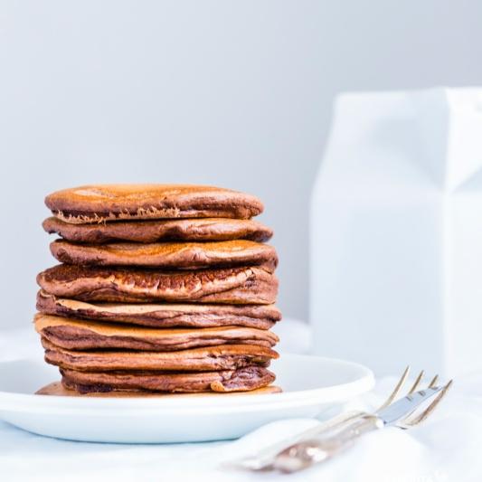 How to make Eggless Chocolate Pancakes