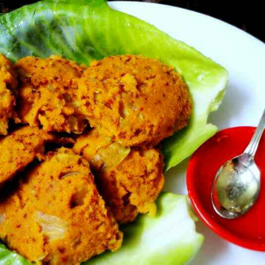 How to make Spicy cabbage idli