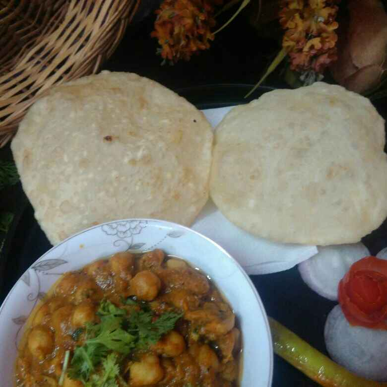 Photo of Paneer bhature chhole ke sath by Sangeeta Bhargava . at BetterButter