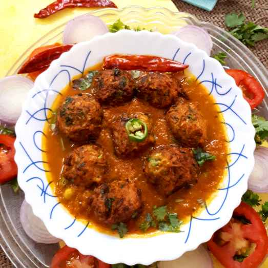 How to make Lauki koftas infused with methi