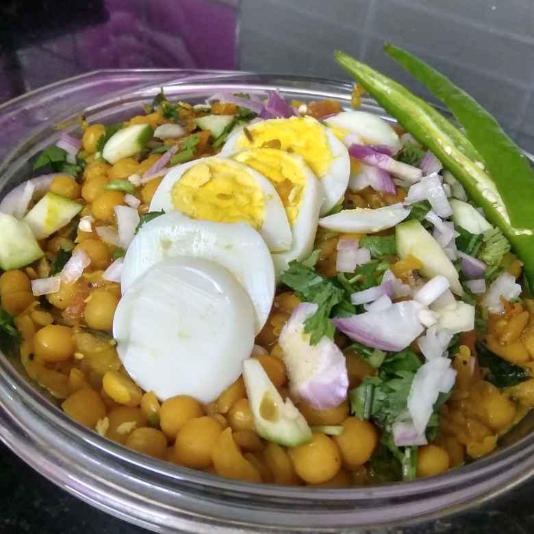 Photo of Egg peas masala by Sanjeetha Sanjeetha at BetterButter