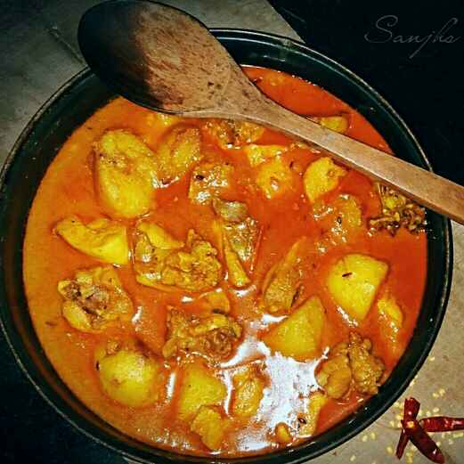 Photo of Red chicken curry by Sanjhbati sen at BetterButter